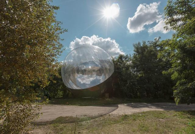 This is an image of Tomás Saraceno's work