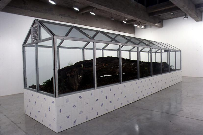 Mark DION Vivarium 2002 Maple log, soil, aluminum,...