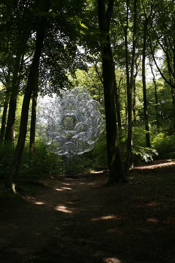 Installation at SONSBEEK GRANDEUR Museum for Moder...