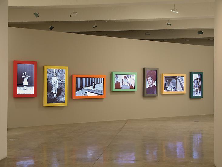 Gillian WEARING Snapshot 2005 7 videos for framed...