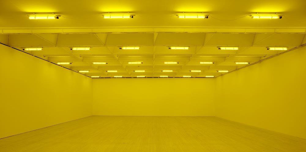 Olafur ELIASSON Room for one colour 1997 monofrequ...