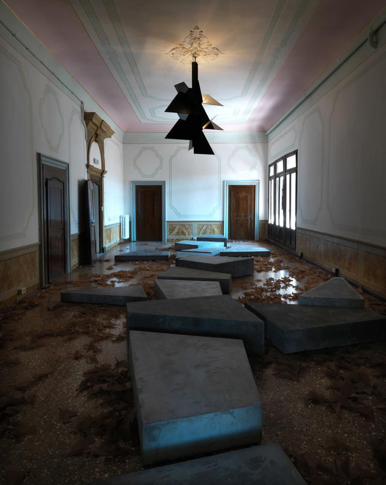 Installation view, Martin Boyce: No Reflections Sc...