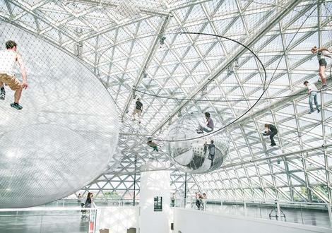 Tomás Saraceno: Cloud Cities and Solar Balloon Tr...