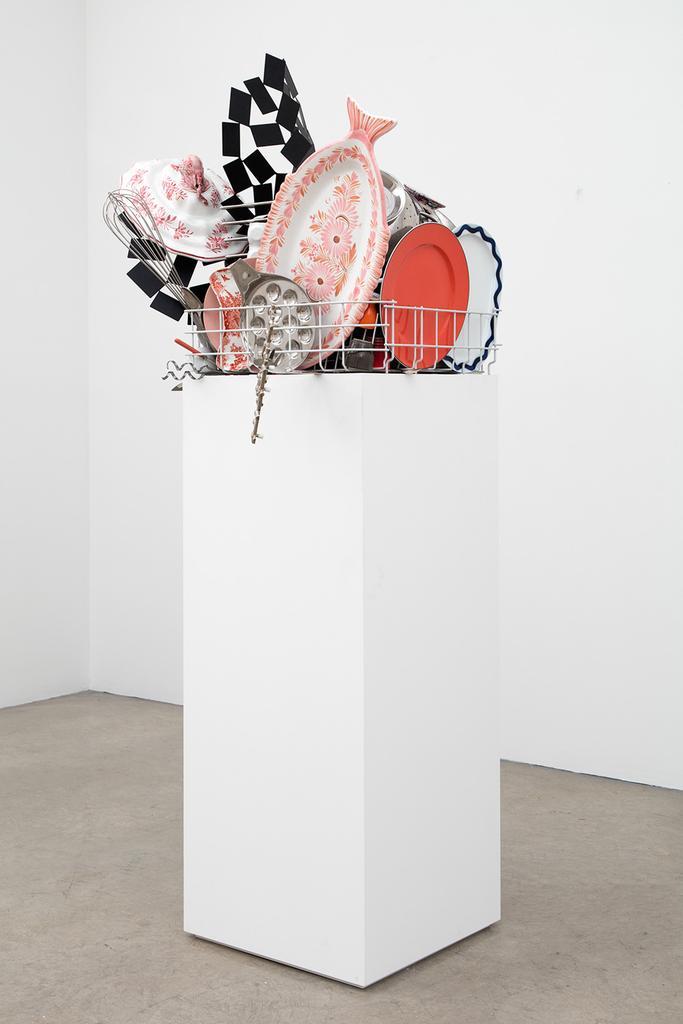 Nicole WERMERS Abwaschskulptur (Dishwashing Sculpt...