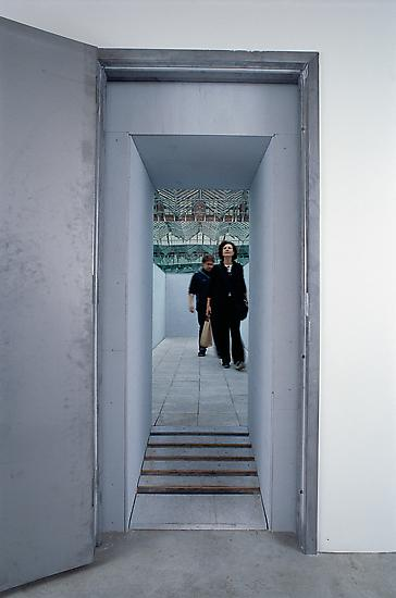 Olafur ELIASSON Your now is my surroundings 2000 S...